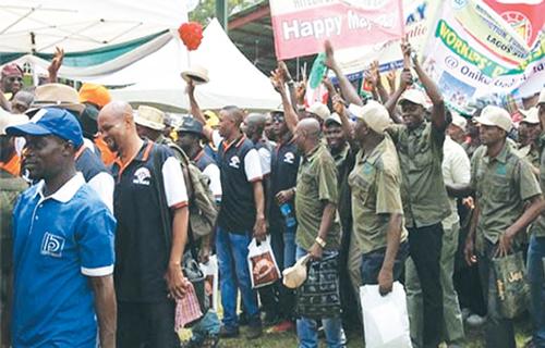 Nigerian workers: Drawing energy from despair