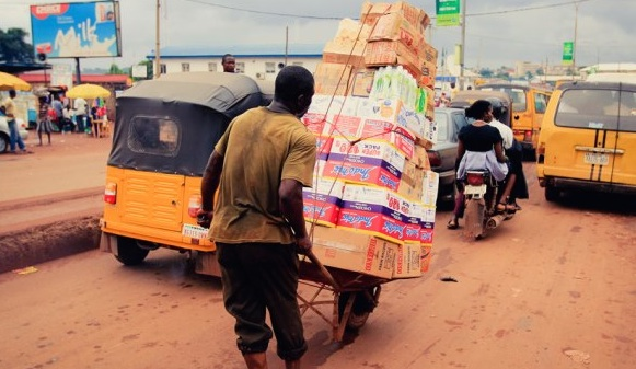 Lagos Bans Cart Pushers, Wheel Barrow Operators From Streets