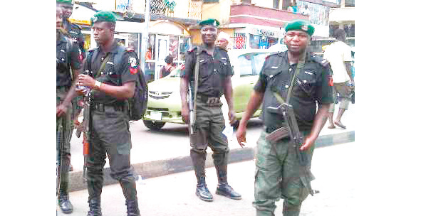 Vigilantes arrest DPO, two policemen for stealing