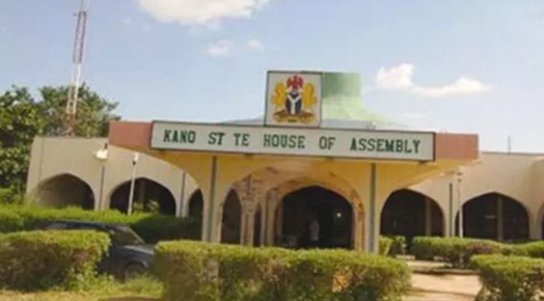 Kano Assembly defies Court passes new Emirate's Bill
