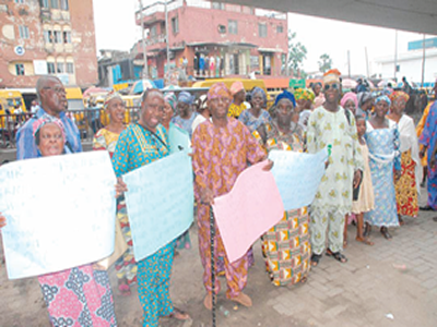 10 years after: LUTH retirees protest, demand payment of gratuities