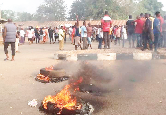 BREAKING: Students, lecturers, residents flee Katsina-Ala as militants continue attacks