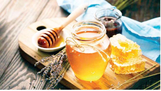 Beauty regimen: Honey for natural facial treatment