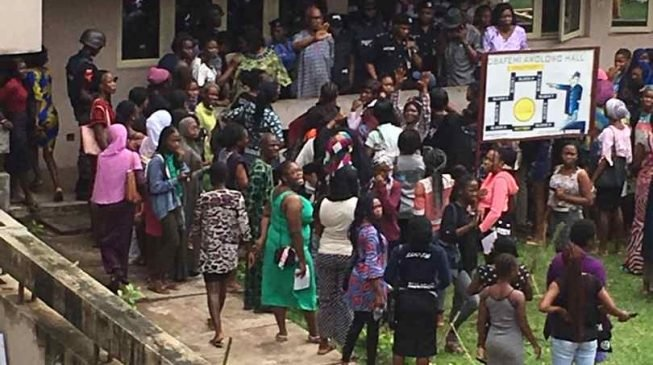 Students injured as armed robbers attack UI female hostel