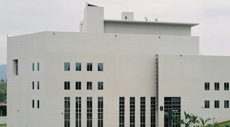 U S  Embassy denies blocking visa interview appointments