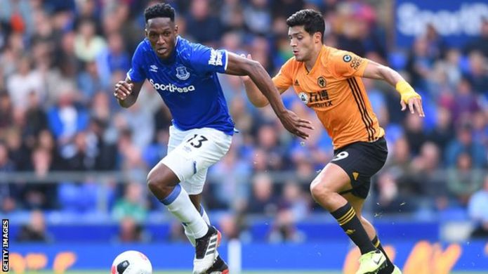 FA fines Everton defender, Mina, £10,000 for breaking betting rules