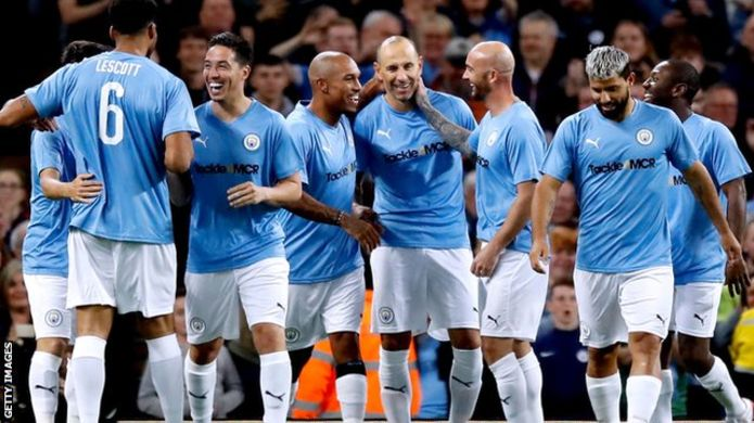 Giggs, Cole star in Kompany testimonial