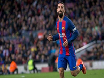 Barca midfielder gets suspended sentence for firing gun in hospital