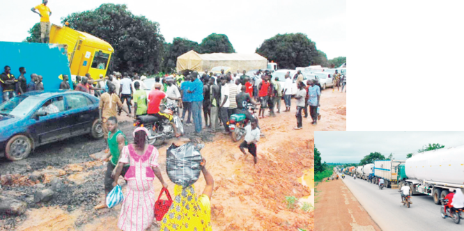 Deplorable roads: Aggrieved youths shutdown Minna-Suleja highway