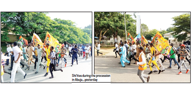 Police, Shi'ites clash as sect holds procession