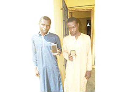 Two phone snatchers nabbed in Niger