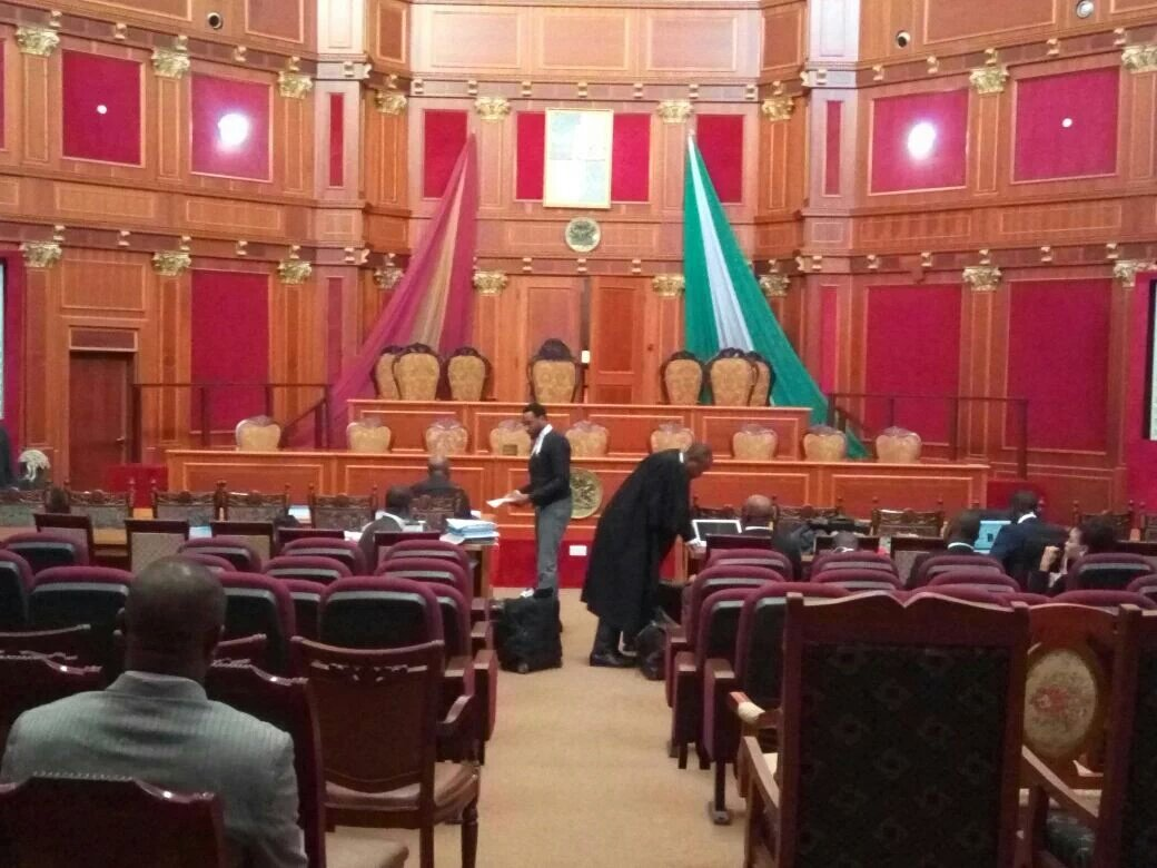 Presidential Tribunal judgment: Lawyers, others arrive court