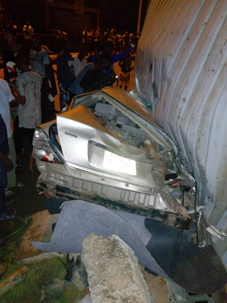 Lagos: Two dead, many injured as container falls on car, motorcycles