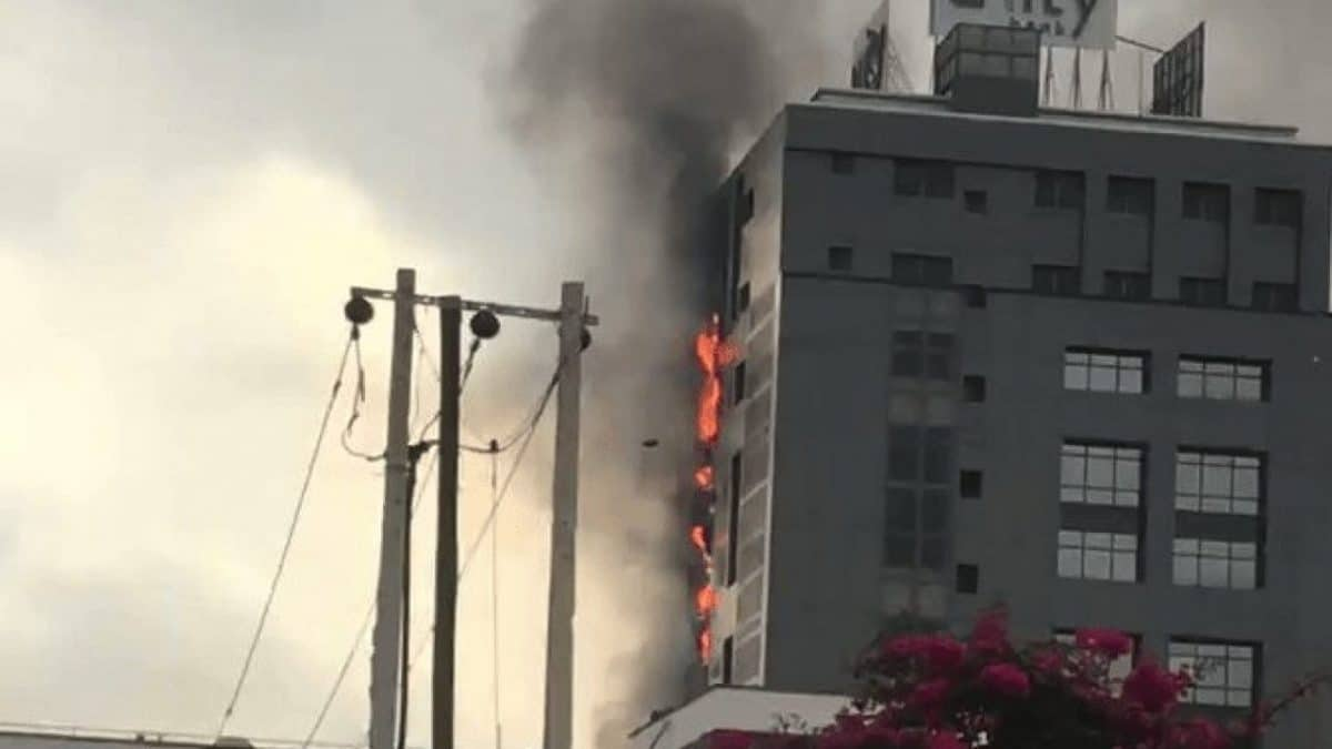 Early morning fire at Unity Bank head office, Lagos