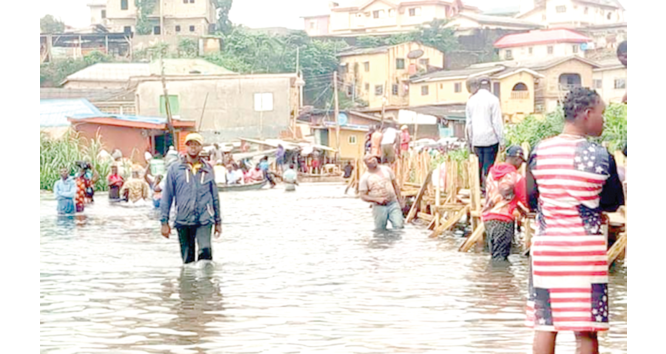Flooding: Sea level on the rise, Lagos alerts residents
