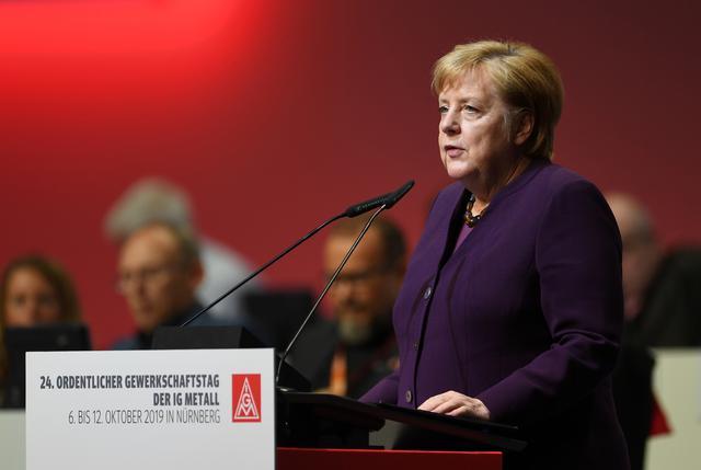 Merkel to Erdogan: Halt Syria offensive immediately