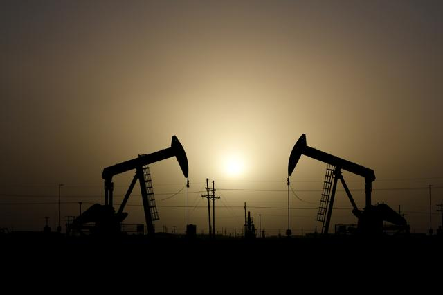 Oil falls on weak Chinese industrial data