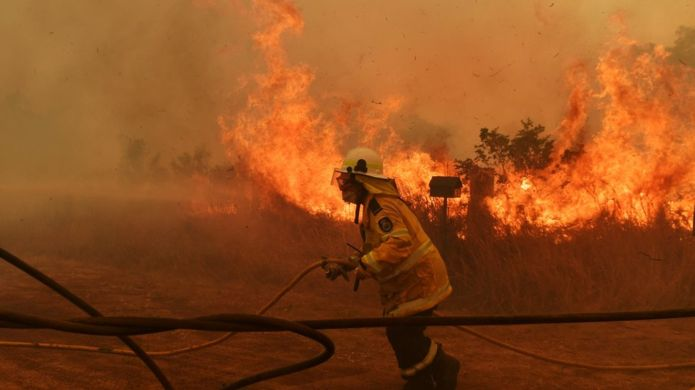 Australia bushfires: Death toll rises as communities remain on alert