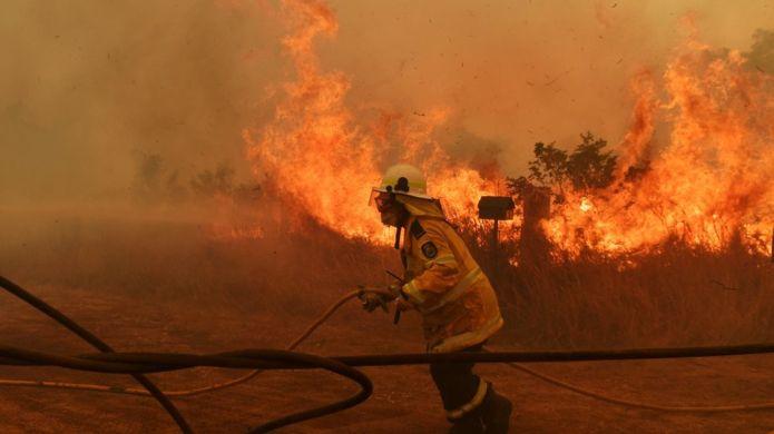 Australia bushfires: Death toll rises as communities remain on alert