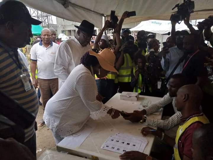 Kogi/Bayelsa decide: Dickson votes, alleges hijacking of voting materials