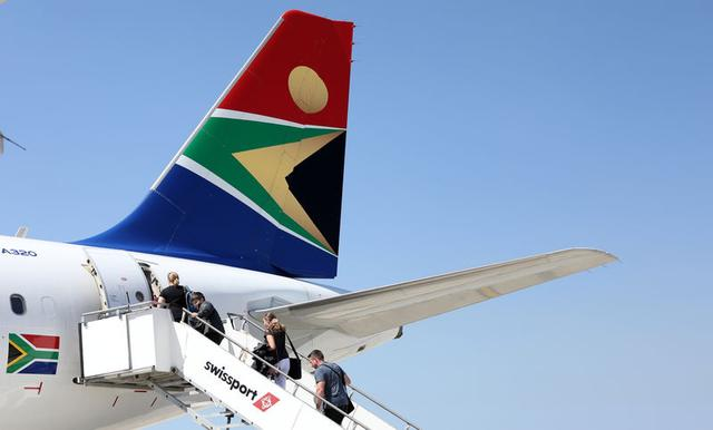 S'African Airways cancels flights, offers striking employees new wage increase