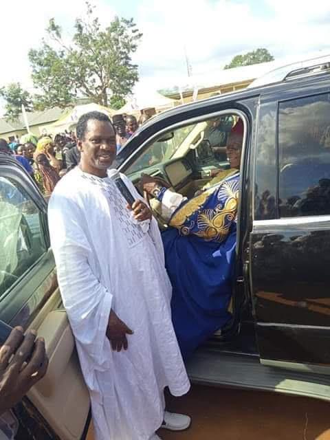 Bishop Zuga gifts King of Ejule new Lincoln Navigator SUV