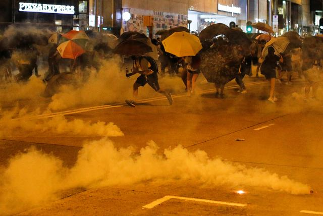 Man dies in Hong Kong protests as Chinese President calls for end to unrest