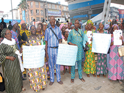 Old, sick and dying LUTH pensioners demand gratuities 10 years after