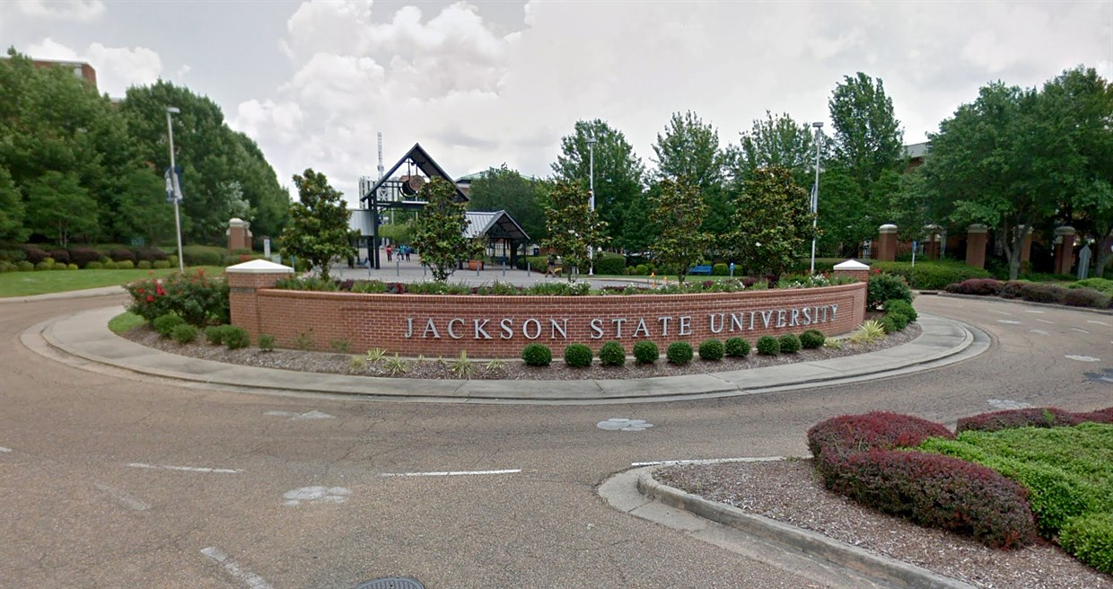 JUST IN: Report of active shooter, US varsity on lockdown