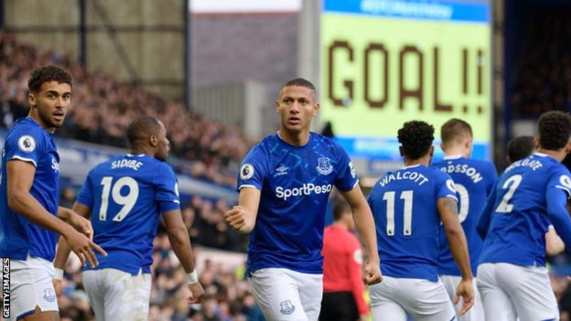 EPL: Everton beat Chelsea in Ferguson's first game in charge