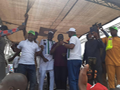 Pastor Ize-Iyamu dares all, declares for APC amid tight security in Edo